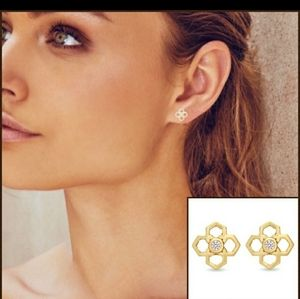 Kendra Scott Rue Stud Earrings NWOT'S Rose…